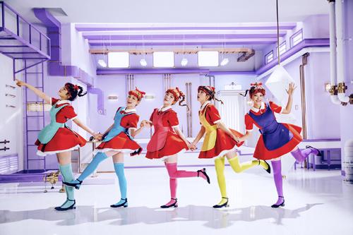 平均二十岁的韩国超人气新生代女团Red Velvet主打歌《Dumb Dumb》创下近1500万次点阅率
